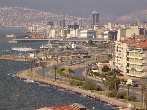 800px-Izmir_coast