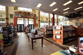 Barnes-Noble-interior2